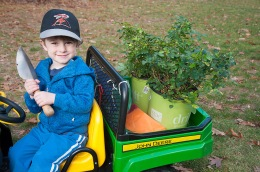 Delivering plants in your own tractor makes it all the more fun